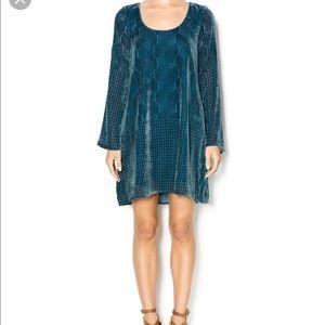 Chaser Velvet Dress Color: Teal